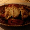 Grüne Bohnen mit Lamm (Zarte grüne Bohnen, Paprika, Kartoffeln, Zwiebeln, Möhren und Lammfleisch geschmort und mit Schafskäse überbacken)