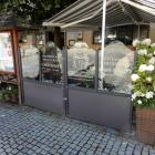 Foto zu Restaurant Café Bauer: Freischankfläche im Sommer