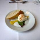 Foto zu Schloss Burgellern: Matjesfilet mit Weißbrot