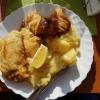 große Portion Seelachs mit hausgemachten Kartoffelsalat, einem Dessert und ein Getränk für 11,70 €