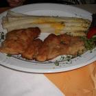 Foto zu Restaurant Tennis-Treff: Putenschnitzel mit Spargel