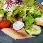 Foto zu Restaurant Kloster Allerheiligen: Salat, Bibileskäs-Crepes, Räucherforellenfilet