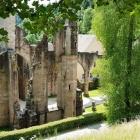 Foto zu Restaurant Kloster Allerheiligen: Im Hintergrund die Gaststätte