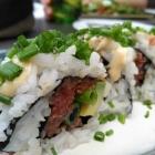 Foto zu Hubertushof: Spicy Beef Roll (mit Rindertartar-Avocado-Füllung)
