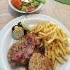 Grillteller (11,80 €) mit Pommes und Salat