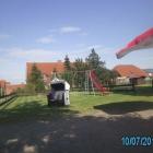 Foto zu Das Mühlencafé im Mühlenhof Nesse: Sehr schöner Kinderspielplatz