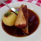 Foto zu Brauerei Gasthaus Lohhof: Schäuferl mit Kartoffelknödel