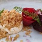 Foto zu Elements · Restaurant: Lauwarmer Ziegenkäse, Rote Bete, braune Butterbrösel