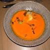 Paprika-Suppe - Birne/ Edelpilzkäse/ Haselnusskrokant/ Gartenkresse
