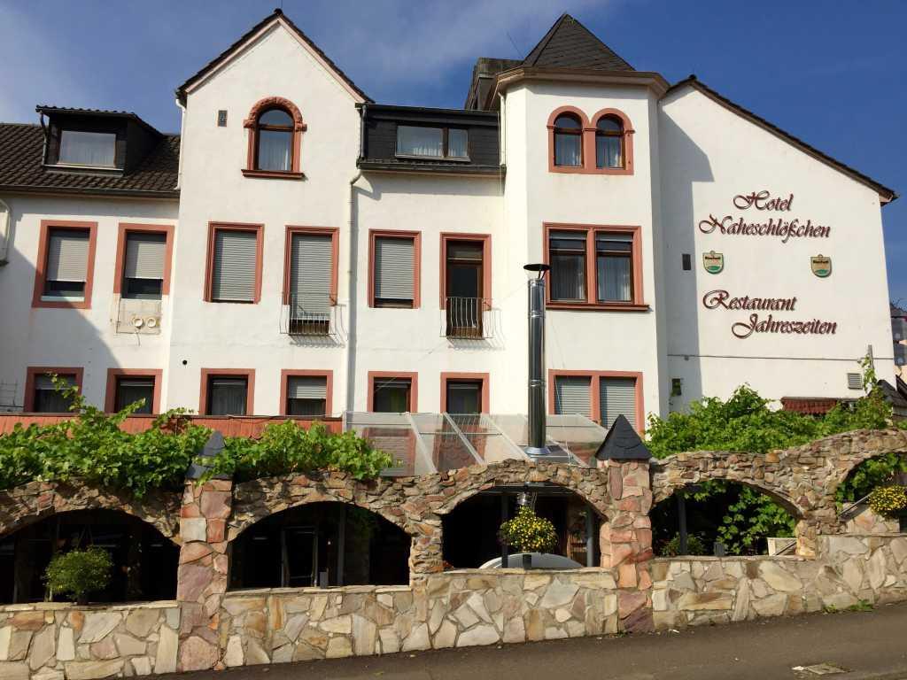 restaurant jahreszeiten im hotel naheschl chen restaurant hotel in 55583 bad kreuznach bad. Black Bedroom Furniture Sets. Home Design Ideas