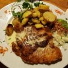 Foto zu S' Wirtshaus: Kochkäseschnitzel mit Bratkartoffeln,14.12.18