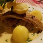 Foto zu S' Wirtshaus: Zanderfilet mit Petersilienkartoffeln und Pfefferrahmkraut,14.12.18