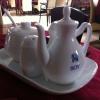 Tischmenagerie aus Porzellan