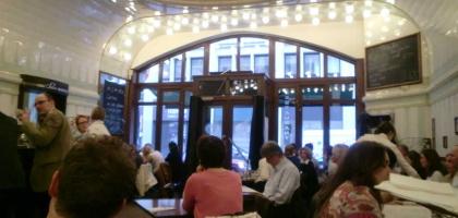 Bild von Café Paris