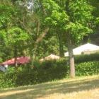 Foto zu Burggaststätte Löffelstelz: Schattiger Biergarten