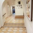 Foto zu Café Schlosser: Eingang Cafe Schlosser, 06.12.2019