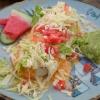 vegetarische Burrito mit Erdnussauce