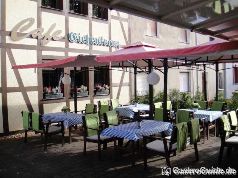 restaurant unterm eichenkranz restaurant biergarten pizzeria in 06862 dessau ro lau. Black Bedroom Furniture Sets. Home Design Ideas