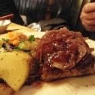 Foto zu Weinstube Mathis: Argentinisches Rumpsteak mit Dornfelderzwiebeln