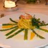 Grüner_Spargel mit Orangennudeln und gebratener Riesengarnele