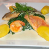 Fischvariationen an Champagnerschaum auf Blattspinat mit Salzkartoffeln