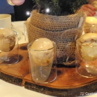 Foto zu Bembergs Häuschen: Gruß Dessert
