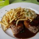 Foto zu Restaurant Ratsstube: Schweinelende mit Spätzle und Kohlrabi.