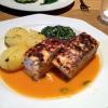 Fisch Lachs und Heilbutt mit Spinat und Hummersauce