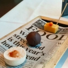 Foto zu Se7en Oceans · Gourmetrestaurant · Europa Passage · 2.OG: Hagebutte, Rum, Sanddorn-Fudge