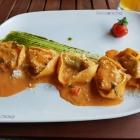 Foto zu Bocconcino: Gefüllte Ricotta Spinat Tortelloni mit Salsa Aurora