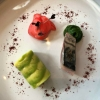Amuse Bouche: Makrele, Avocado, Radieschen