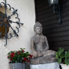 Buddha auf dem Balkon