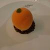 Orange im Ganzen