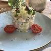 Beilage zu den Schollenfilets: Schmand-Gurkensalat