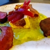 Roastbeef, Herz, Zunge und Markknochen vom Rind mit Zwiebel und Petersilie