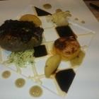 Foto zu Arens Restaurant · Hotel Haus am Weinberg: Rinderfilet mit Wacholder und Apfel