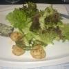 Gebratene Jakobsmuscheln mit Salat