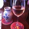 Wein aus dem Steinkrug