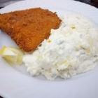 Foto zu Strandhaus Döse: Backfisch mit Kartoffelsalat