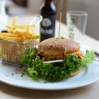 Foto zu Brauhaus Aloysianum: Aloysianum-Riesen-Burger