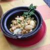 """""""Bap Xao Bo"""" bestehend aus frittierten Maiskörnern mit getrockneten Shrimps und Frühlingszwiebeln."""