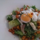 Foto zu Kaiserhof Guldental: Nizza Salat mit gegarter Forelle