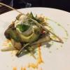Mediterraner Salat von Gemüse und Burrata
