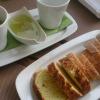 Gruß mit dreierelei Brot, Oliven und Öl