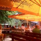 Foto zu Bayrischer Biergarten zur Gartenlaube: Biergarten