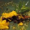 Dunkler Klebreis mit Mangostückchen