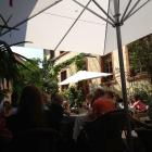 Foto zu Café Solo: Innenhof 2