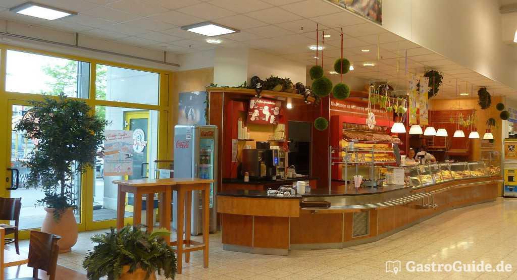 Cafe Backerei Plucker Im Herkules Markt Backerei Cafe In 34414 Warburg