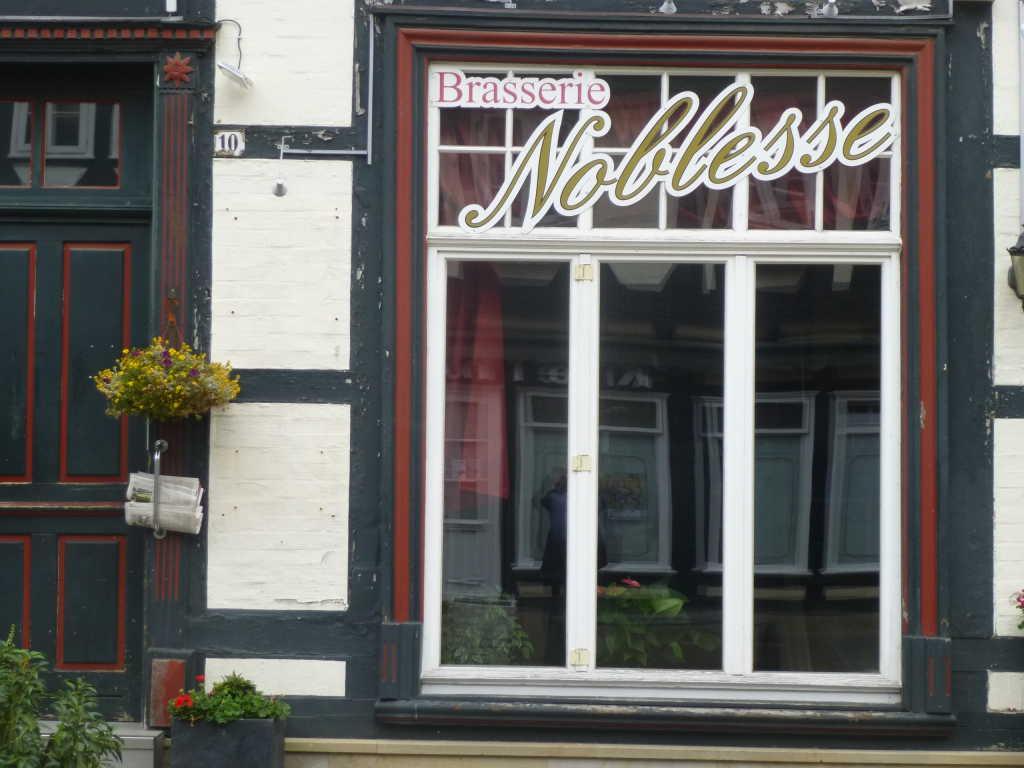 Brasserie noblesse cafe brasserie in 29221 celle for Flammkuchen celle