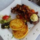 Foto zu Landgasthof Euringer: Steak mit Quarkkartoffeltalern